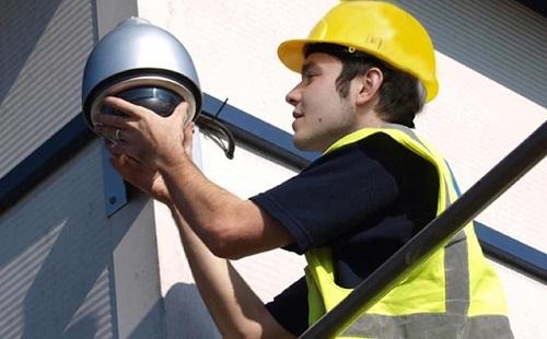 quy trình vệ sinh camera quan sát chuyên nghiệp